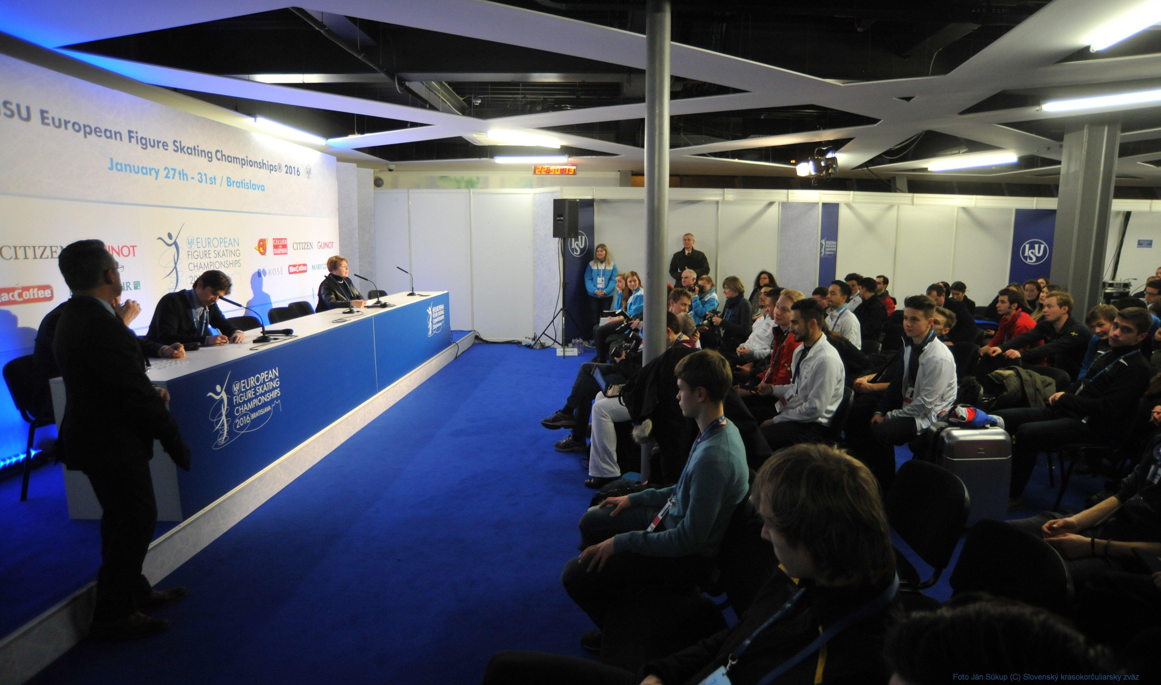 JSP_4563_tlacova_konferencia
